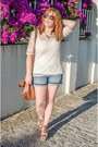 Brown-suiteblanco-bag-navy-c-a-shorts-cream-massimo-dutti-top