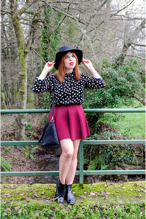 black Stradivarius hat - white Only shirt - crimson PERSUNMALL skirt