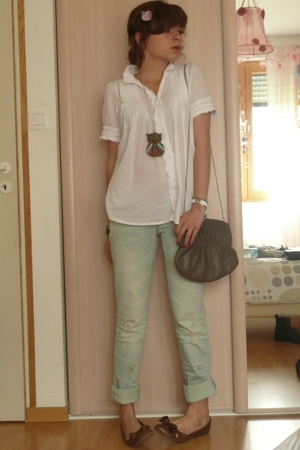 t-shirt - jeans - shoes - accessories - accessories