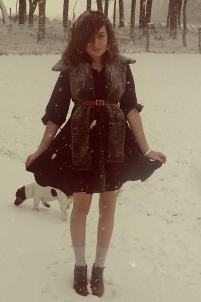 black H&M dress - gray vintage scarf - orange Vintage from Turkey belt - silver