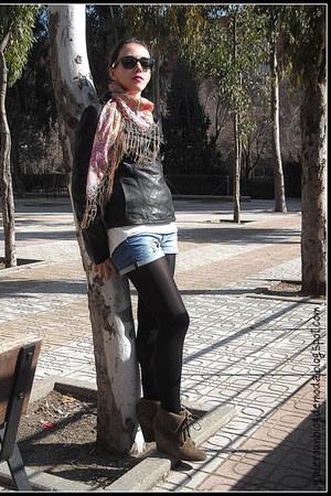 black leather jacket Easy Wear jacket - black tupidas Calzedonia tights - light