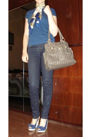 Blue Wedges shoes - H&M jeans - Terranova t-shirt - foulard - maxybag
