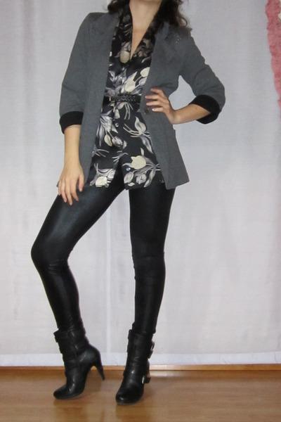 gray vintage marina rinaldi blouse - black shoes - black leggings