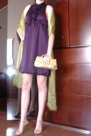 Zara dress - GreenStole - Gold Clutch - Green Sandal