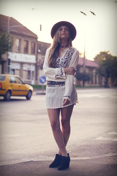 Zara boots - c&a hat - pull&bear belt - thrifted top