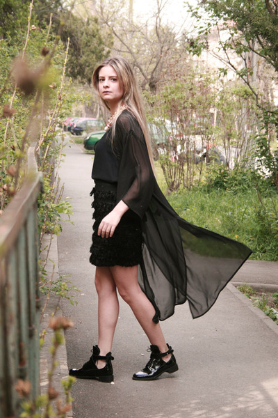 sheer kimono H&M cape - cut out patent Mossa boots - Confused skirt