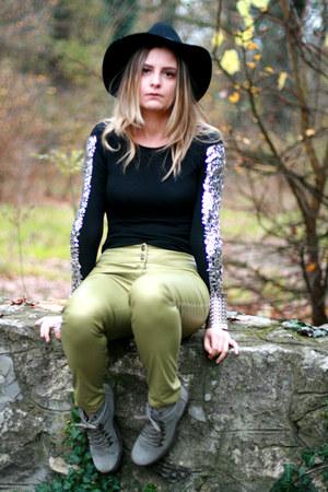 wool H&M hat - sequin Roman Gabriella bodysuit - Monesse pants