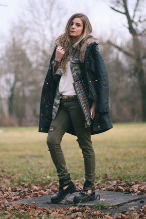 parka Mango jacket - cut out BBup boots - ripped Stradivarius jeans