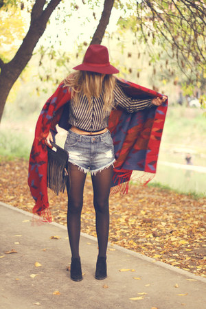 cropped H&M sweater - suede Zara boots - wool Stradivarius hat - aztec H&M scarf