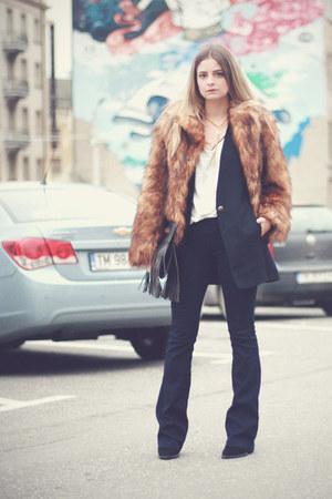 Zara boots - bells Bershka jeans - faux fur H&M jacket - fringe meli melo bag