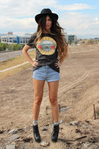 H&M t-shirt - levis vintage shorts