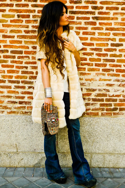 Zara coat - Serfontaine jeans - Accesorize purse