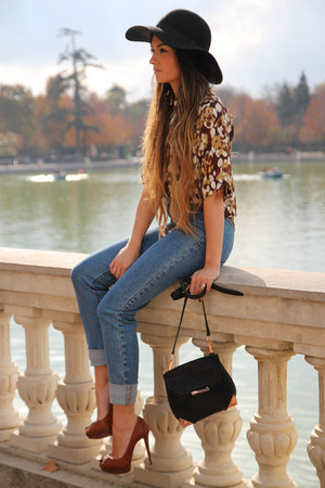 ALEXANDE WANG bag - MONICA CORDERA blouse - Christian Louboutin heels