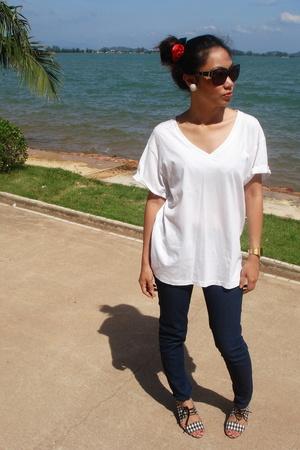 Simply white!!!