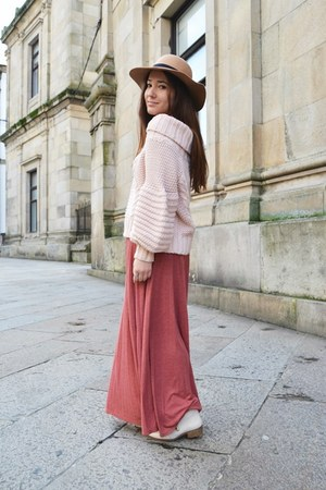 Primark hat - H&M jumper - Bershka skirt