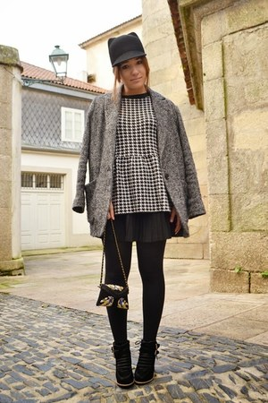 Zara hat - Mango coat - pull&bear jumper
