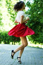 ruby red Savi Style skirt - cream New Yorker blouse - black Deashop sandals