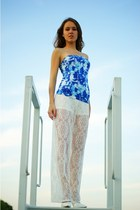 blue H&M top - white H&M pants - white Deashop heels