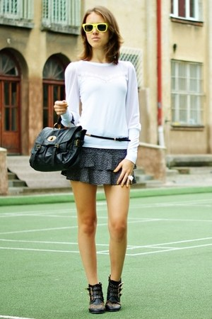navy H&M skirt - black Deashop boots - black Cubus bag - white Hypnotic blouse