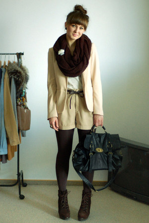dark brown Zara boots - cream H&amp;M blazer - heather gray httpallure-bloogblogspot