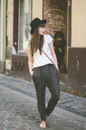 gray pull&bear pants