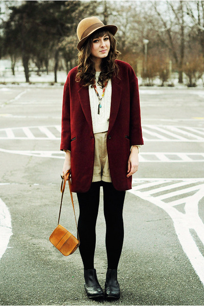 black La Redoute boots - crimson Chicwish coat
