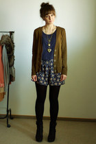 navy Stradivarius shorts - army green H&M cardigan - navy H&M top