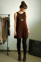 dark brown Zara dress - gold Romwecom necklace