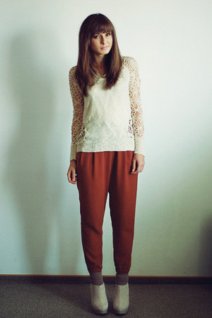 eggshell Chicwish sweater - tawny H&M pants - eggshell deezee wedges