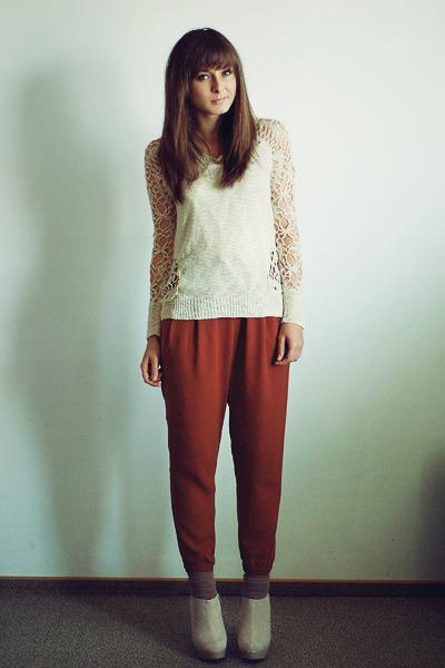 eggshell Chicwish sweater - tawny H&M pants - eggshell deezee wedges