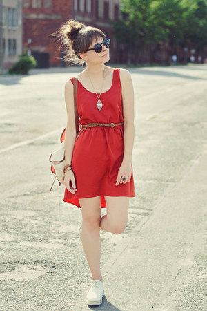 ruby red Housepl dress - eggshell CzasNaButy flats