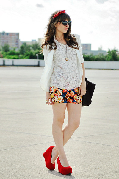 red Papilion wedges - navy Choies shorts
