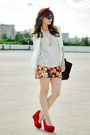 Navy-choies-shorts-red-papilion-wedges
