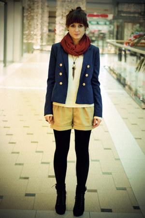 beige H&M shorts - navy H&M blazer