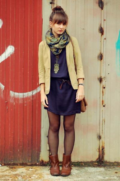 beige H&M blazer