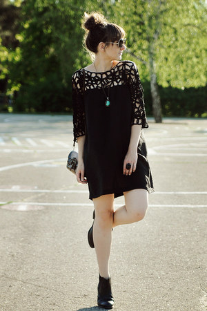 black Akira dress