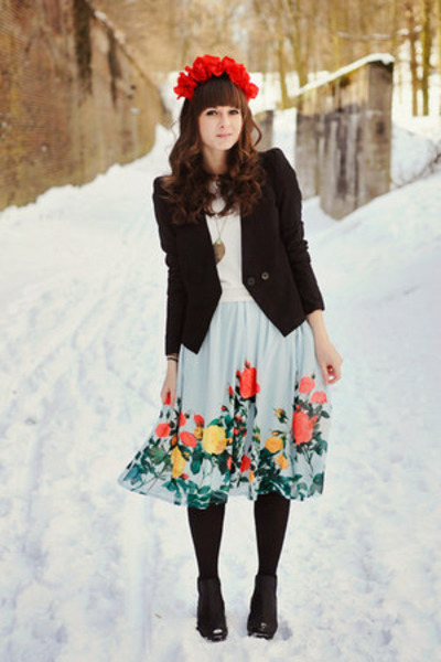 sky blue romwe skirt