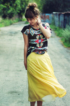 light yellow vintage skirt - dark gray Zara t-shirt