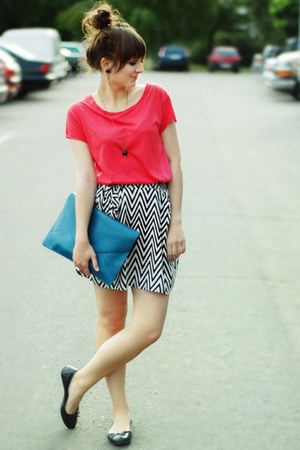 turquoise blue bag - coral top - black H&M skirt