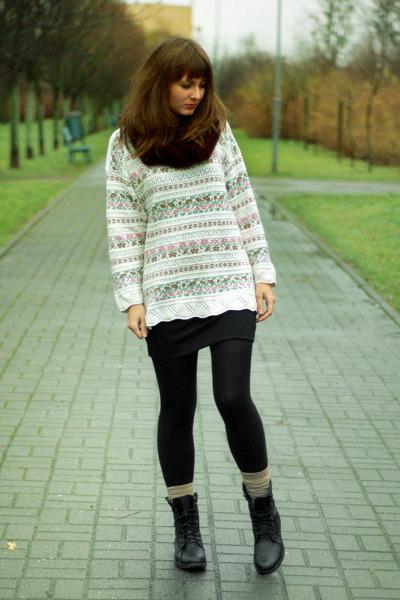 black H&M skirt - white second hand sweater