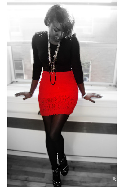 black H&M top - red H&M skirt - silver Aldo shoes - black American Apparel tight