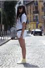 Zara-shirt-bershka-shorts