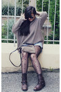 United-colors-of-benetton-boots-zara-sweater