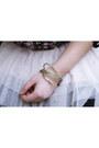 Jennyfer-skirt-oasap-bracelet