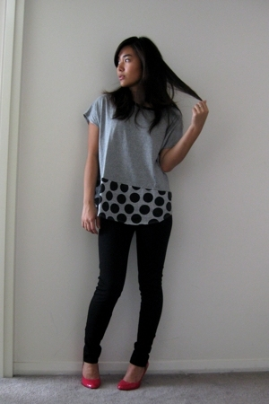 random t-shirt - f21 pants - Lipstik shoes