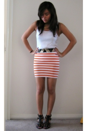bonds top - f21 skirt - Zara belt - Sportsgirl shoes