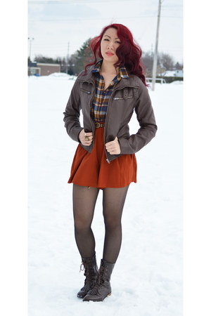 light brown Sirens blouse - dark brown Urban Planet jacket