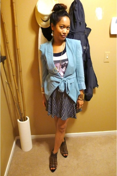turquoise blue causeway mall jacket - white danny roberts Forever 21 top