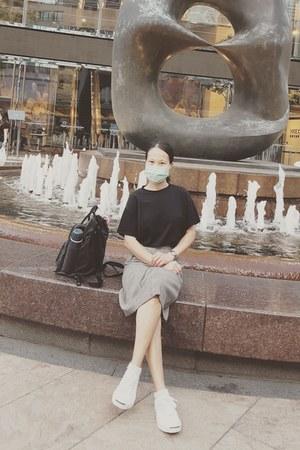 fjallraven kanken bag - Esprit skirt - Converse sneakers - Bershka top