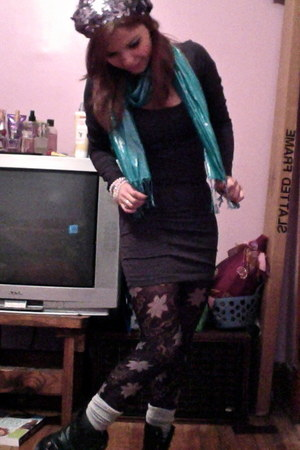 heather gray socks - charcoal gray dress - turquoise blue scarf